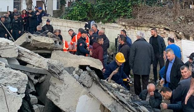 Arnavutlukta 6,4 büyüklüğünde deprem
