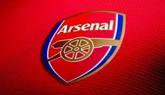 Arsenal, kaleci Leno'yu renklerine bağladı