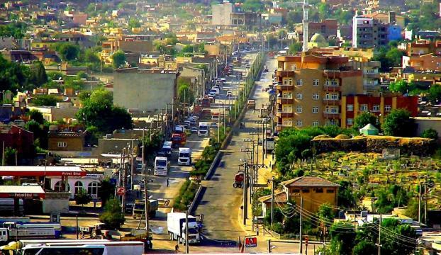 Cadde ve sokak isimleri Kürtçe oldu