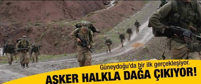 Askerler halkla dağa çıkıyor