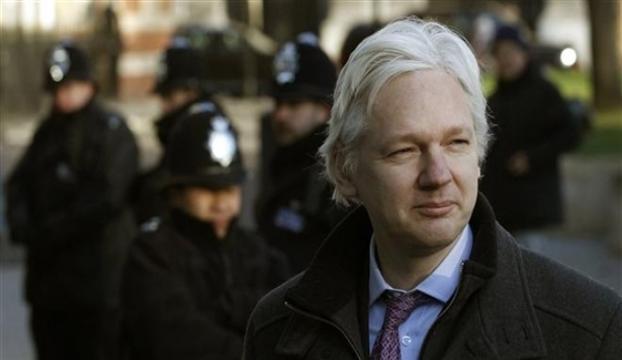 Assangein tecavüz suçlaması düştü