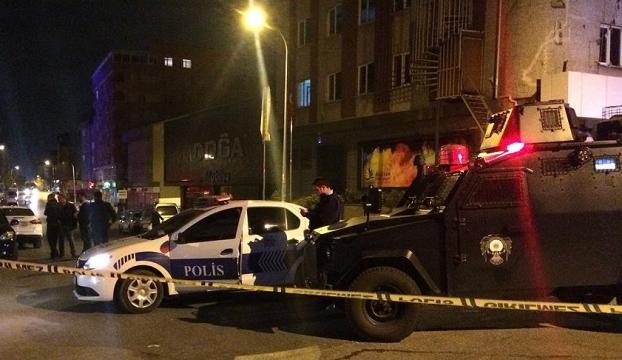 Ataşehirde polis aracına silahlı saldırı