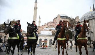 """""""Atlı Birlikler"""" Sultanahmet'te devriyeye başladı"""