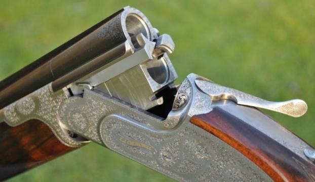 Elindeki av tüfeği ateş alan lise öğrencisi öldü