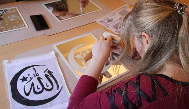 Aynalara kadınlardan sanatsal dokunuş