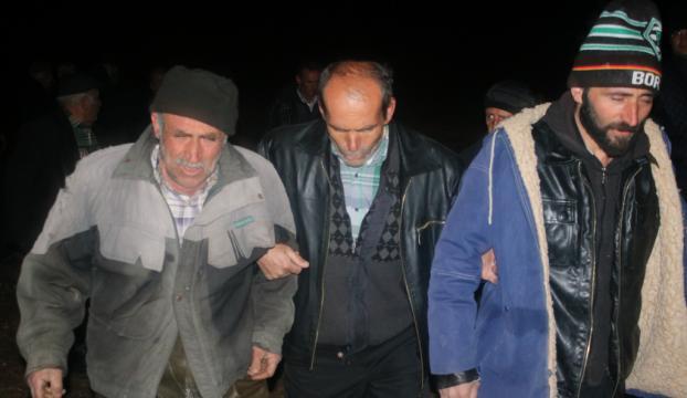 Gölde mahsur kalan balıkçılar kurtarıldı