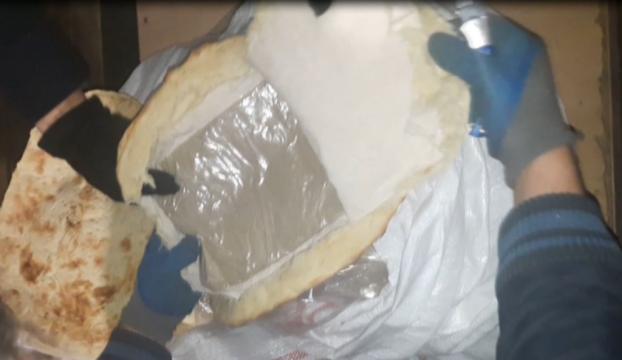 """""""Ekmek arası eroin"""" polisin gözünden kaçmadı"""