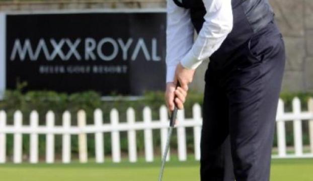 Bakan Kılıç ilk kez golf oynadı