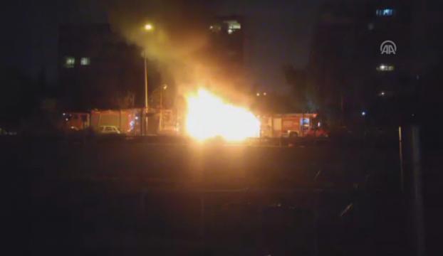 Bakırköyde araç yangını