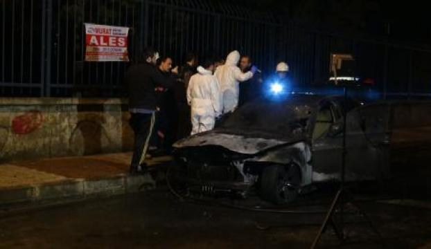 Lüks otomobil kundaklandı