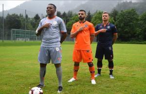 Medipol Başakşehir yeni sezon formalarını tanıttı