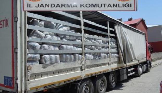Batmanda 16 bin 400 paket kaçak çay ele geçirildi
