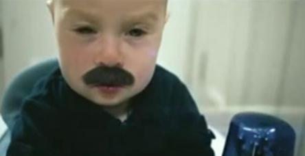 Bebek polis iş başında