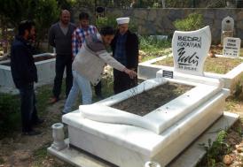 Karikatürist Koraman'ın mezarı açıldı