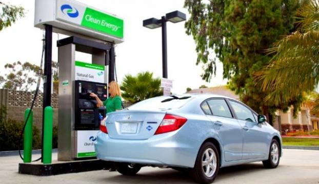 Benzin Ucuzladı, Otomobil Satışları Uçtu