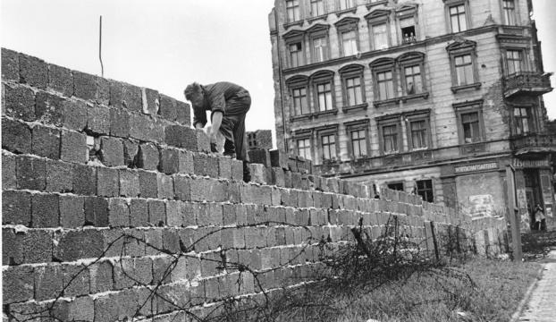 Berlin Duvarının yıkılışının 25. yıl dönümü