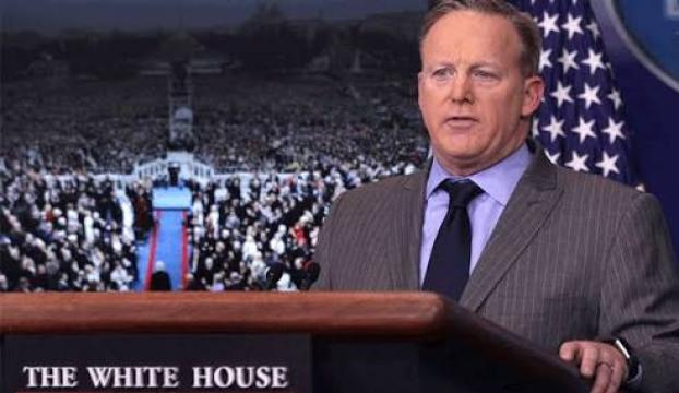 Beyaz Sarayın yeni Sözcüsü ilk kez basın önüne çıktı