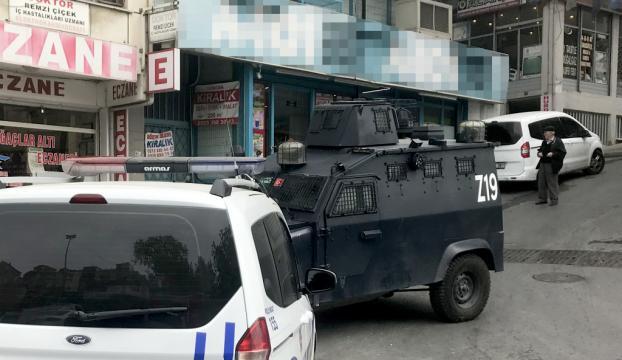 Beyoğlunda markette silahlı soygun