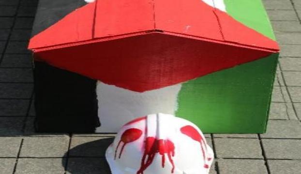 Beyoğlunda Filistin bayraklı tabutlarla eylem