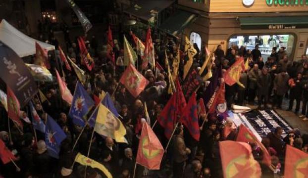 Beyoğlundaki IŞİD protestosuna polis müdahale etti