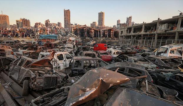 Lübnanda büyük patlamanın ardından Maliye Bakanı da istifa etti