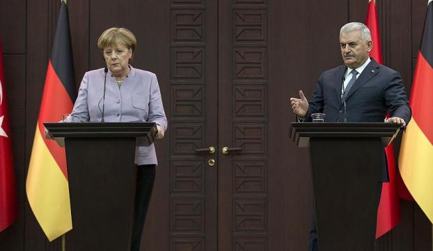 Başbakan Yıldırım Merkel ortak basın toplantısı düzenledi