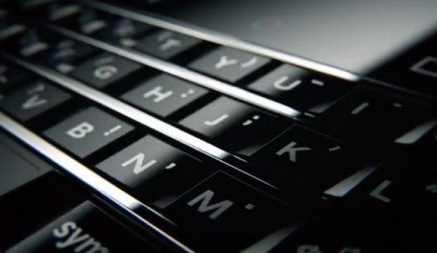 BlackBerry, yeni akıllı telefonunun görüntüsünü paylaştı