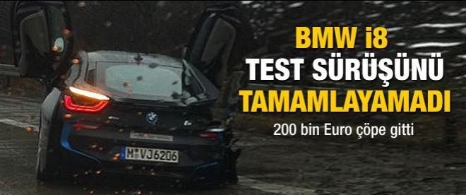 BMW i8 test sürüşünde kaza yaptı