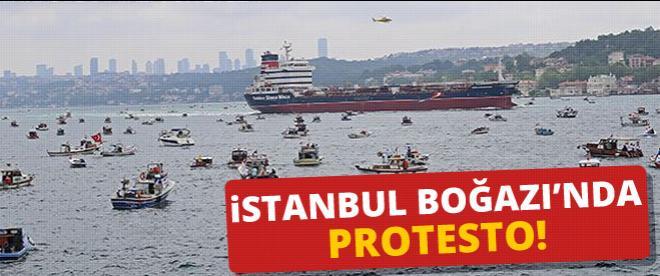 İstanbul Boğazın'da petrol gemisine protesto