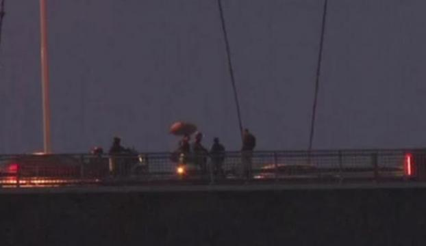 """İki kadına """"Köprüde intihara teşvik davası"""