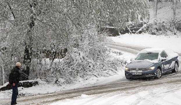 Kar ve tipi nedeniyle 31 kara yolu ulaşıma kapalı