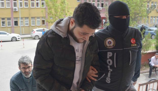 Bonzai ile mücadeleye çağırıp, uyuşturucudan gözaltına alındı