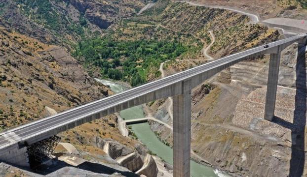Türkiyenin en yüksek köprüsü 11 Temmuzda açılacak
