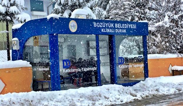 Bozüyükte klimalı otobüs durağı hizmete açıldı