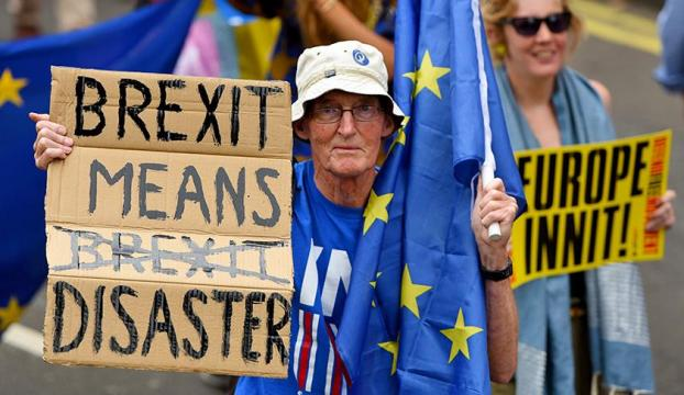 """Mayden kritik oylama öncesi """"Brexit gerçekleşmez"""" uyarısı"""