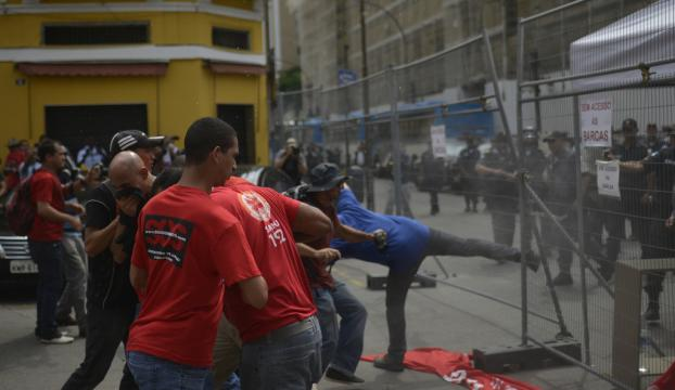 Brezilyada halk sokaklara döküldü