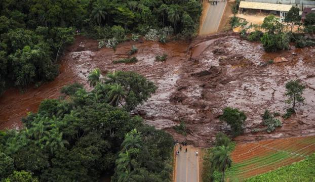 Brezilyada barajın çökmesi sonucu ölenlerin sayısı 65e çıktı