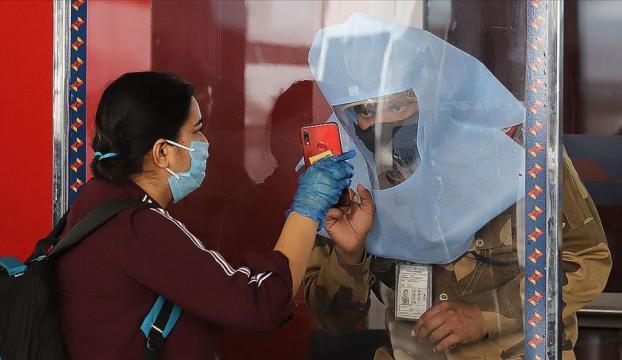 Kovid-19 nedeniyle son 24 saatte Brezilyada 561, Hindistanda 803 kişi öldü
