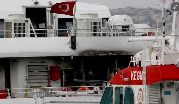 İstanbulda deniz otobüsünde yangın