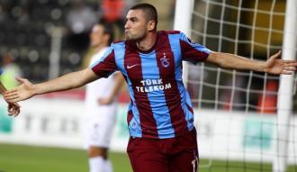 Trabzonspor'da Burak Yılmaz ameliyat edildi