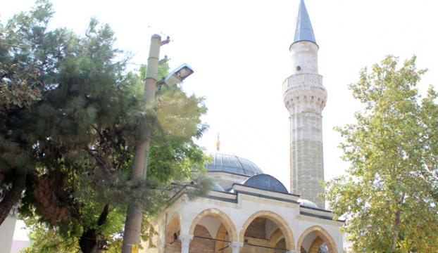 Camiye yapılan silahlı saldırıda bir kişi öldü