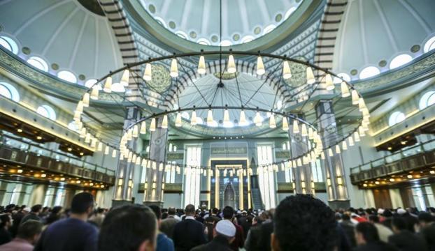 Fransada cami inşaatına mahkeme yasağı