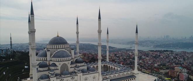 Camilerin 12 Haziranda ibadete açılması öngörülüyor