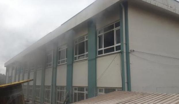 Çanakkalede işçilerin kullandığı yatakhanede yangın