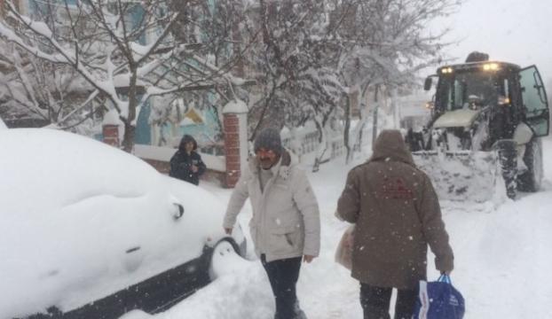İstanbul Çatalcada kar kalınlığı 110 cm ölçüldü