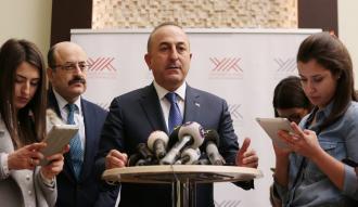 Bakan Çavuşoğlu, YÖK'te akademisyenlerle buluştu