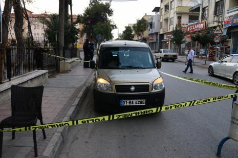 Cenazeyi aracının koltuğunda taşıyan sürücüye polis müdahalesi geldi