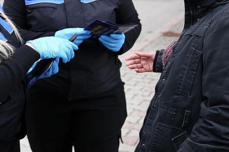 Kütahya'da sokağa çıkan 20 yaş altı 8 gence para cezası verildi
