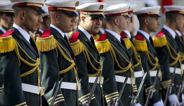 Cezayir, bölgedeki kritik şartlar karşısında askeri seçeneklerini gözden mi geçiriyor?