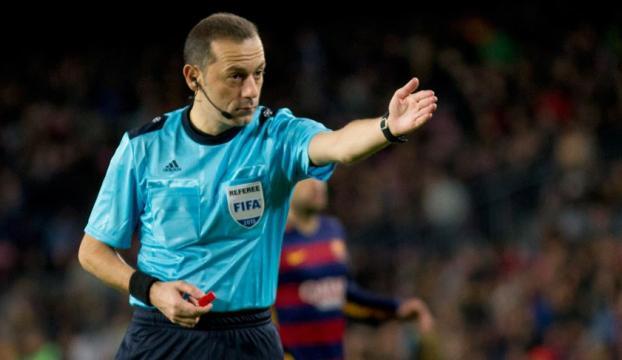 UEFA Şampiyonlar Liginde Barcelona-Napoli maçını Cüneyt Çakır yönetecek